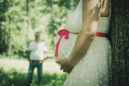 Babybach Fotoshooting Portraitfotografie Natur Wald