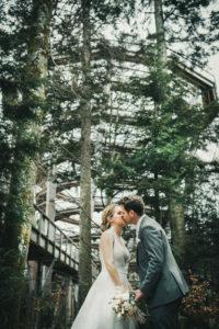Brautpaar Baumwipfelpfad Turm Schwarzwld Kuss Hochzeit
