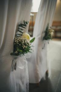 Hochzeit Kirche Trauung Stuhl Hochzeitsschmuck Blumen