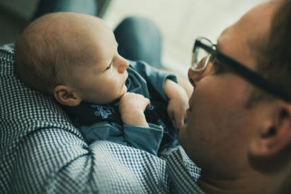 Papa Baby Fotoshooting Herrenberg Zuhause